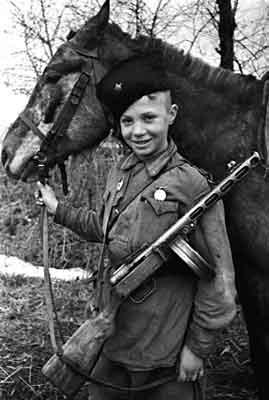 Валентина Милюнас, санинструктор 125-го стрелкового полка 43 гвардейской...