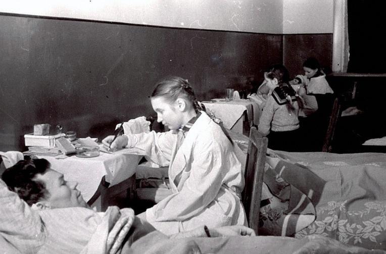 Великая отечественная война затронула всех - и молодых и старых.  Подборка фотографий расскажет о детях на этой войне.
