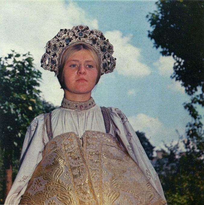 80.Каргопольский свадебный девичий венец коруна, вышитый жемчугом (или имитацией под жемчуг) и цветными...